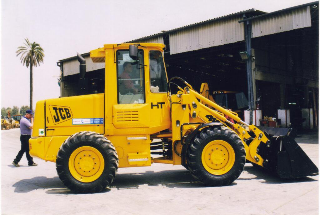 Blackwood-Hodge Israel (Comasco) became dealers for JCB